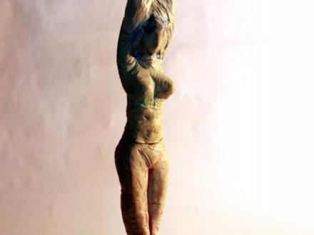 Statue Regenbogen_Frau