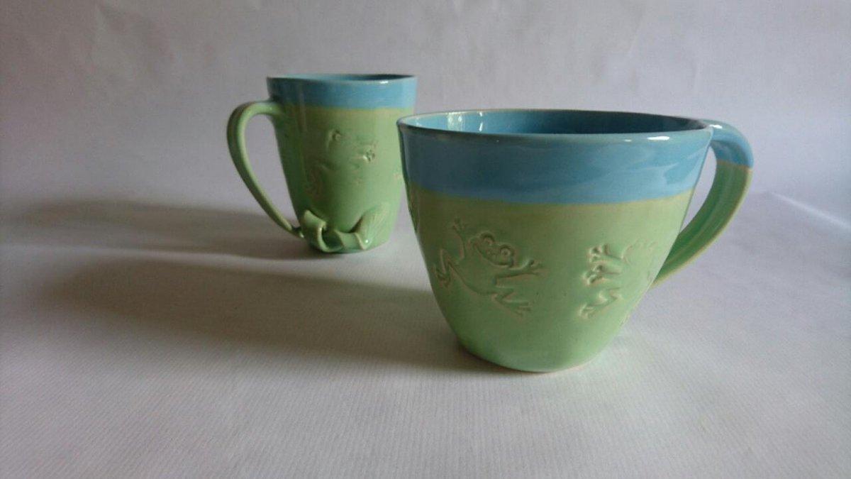 Tassen mit Fröschen